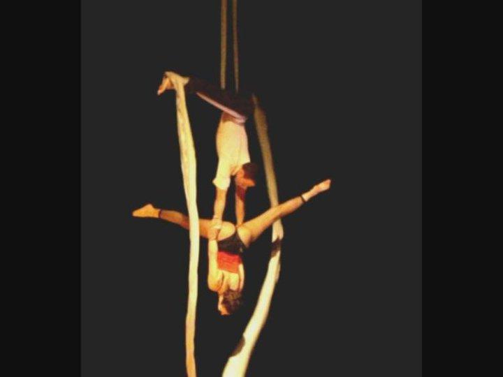 Circo SOQ - Aerial Duet
